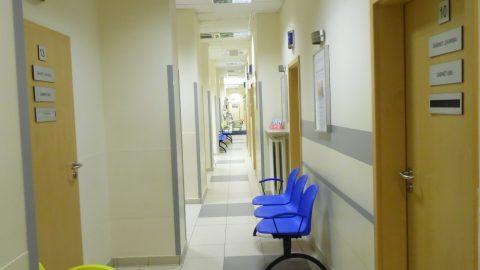 Korytarz w Medicenter na Wołoskiej